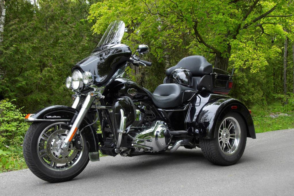 Die etwas andere Harley darf mit dem Auto-Führerschein bewegt werden, und startet bei 39 300 Euro.