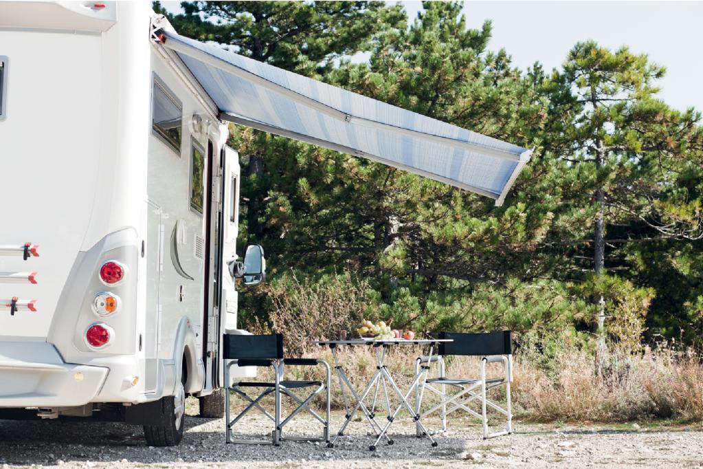 Eine neue Markise für Reisemobile und Caravans verspricht Sonnengenuss ohne Stützstangen.