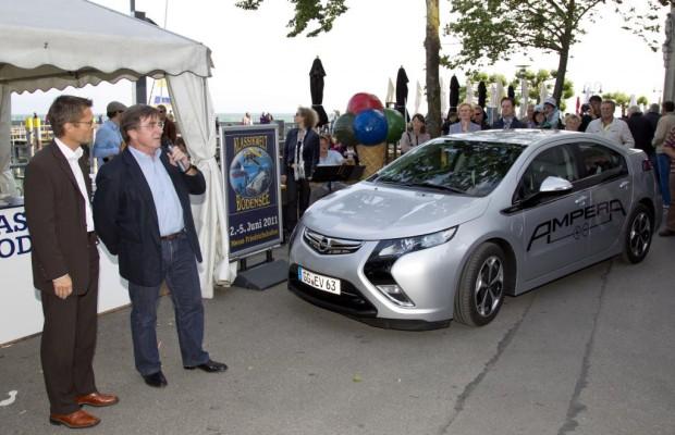 Elmar Wepper fuhr im Opel Ampera vor