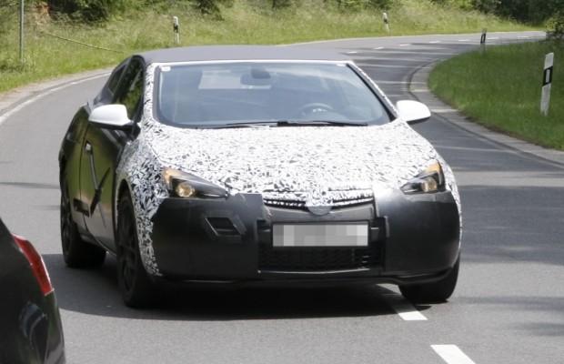 Erwischt: Opel Astra CC – Rüsselsheim zieht blank