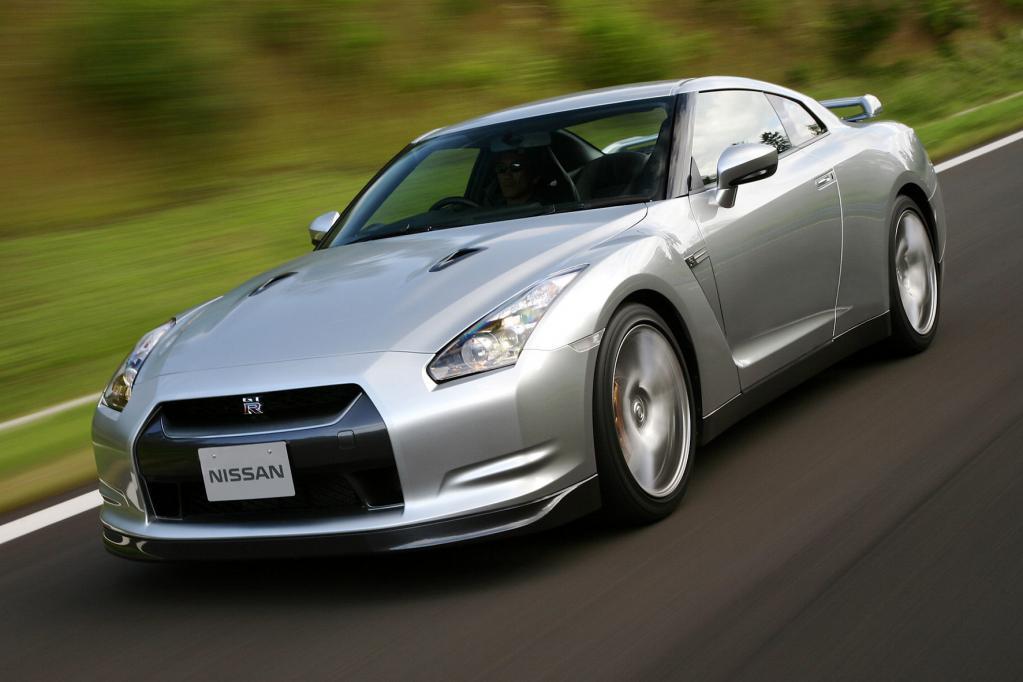 Gestatten, GT-R: Nissans Supersportler ist angetreten, um europäischen Sportwagen wie Porsche und Co den Kampf anzusagen.