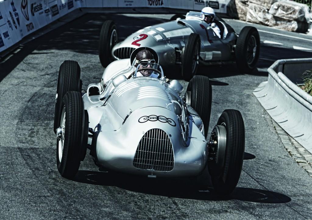 Hans-Joachim Stuck pilotiert beim Goodwood Festival of Speed einen Auto Union Typ D Doppelkompressor – so wie ihn sein Vater Hans Stuck 1939 fuhr.