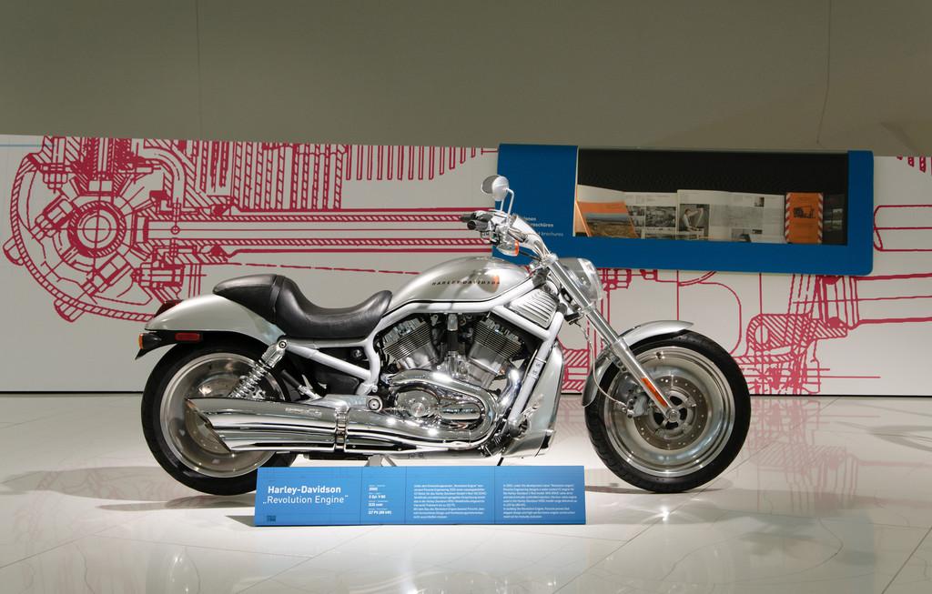 Harley Davidson V-Rod bei der Sonderausstellung Porsche Engineering - 80 Jahre Porsche Konstruktionen.