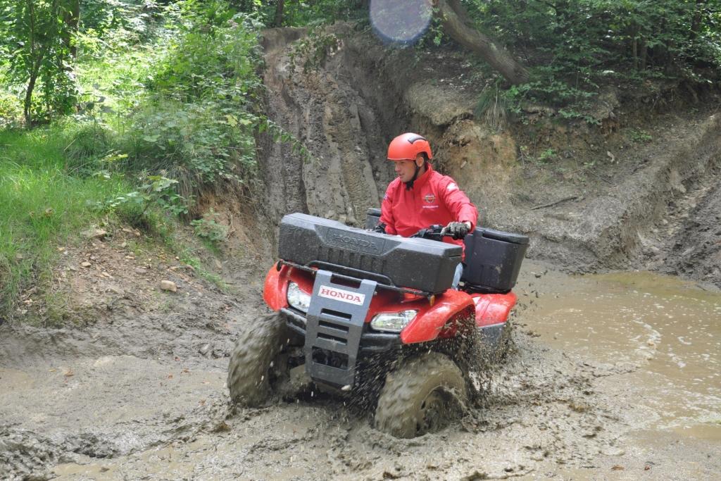 Honda ATV - Nicht spielen! Arbeiten!