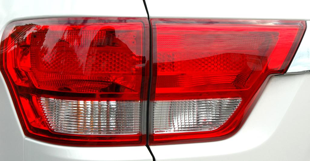Jeep Grand Cherokee Diesel: Moderne Leuchteinheit hinten.