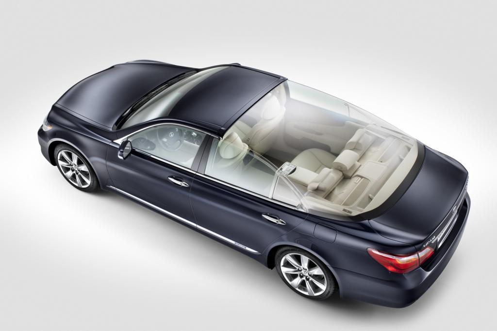 Lexus baut Fürst Albert ein Landaulet mit Glaskuppel