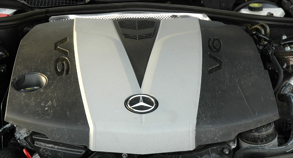 Mercedes S350 Bluetec: Blick unter die Haube des 3,0-Liter-Selbstzünders.