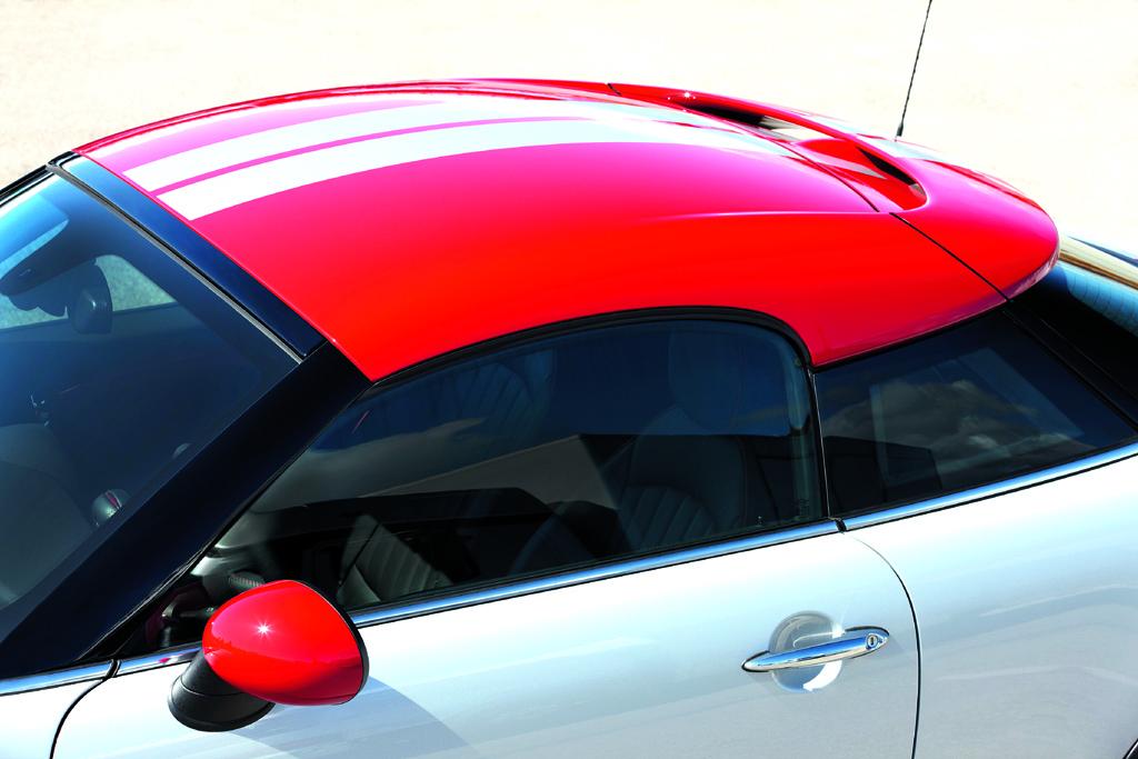 Mini Coupé: Der Spoiler an der Kante hinten ist ins Dach integriert.