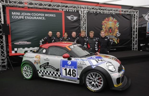 Mini Coupé feiert Weltpremiere auf dem Nürburgring