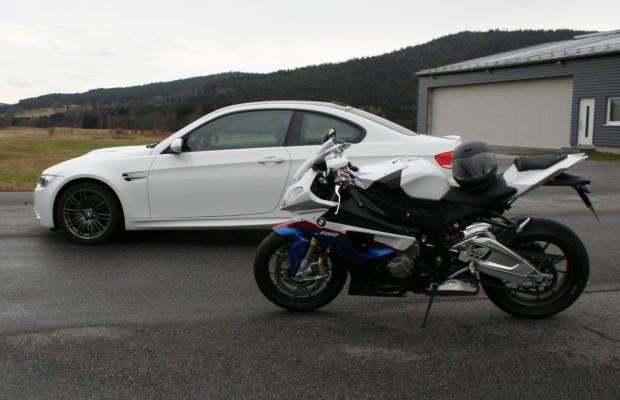 Motorrad oder Pkw? Zwei Räder sind schneller als vier