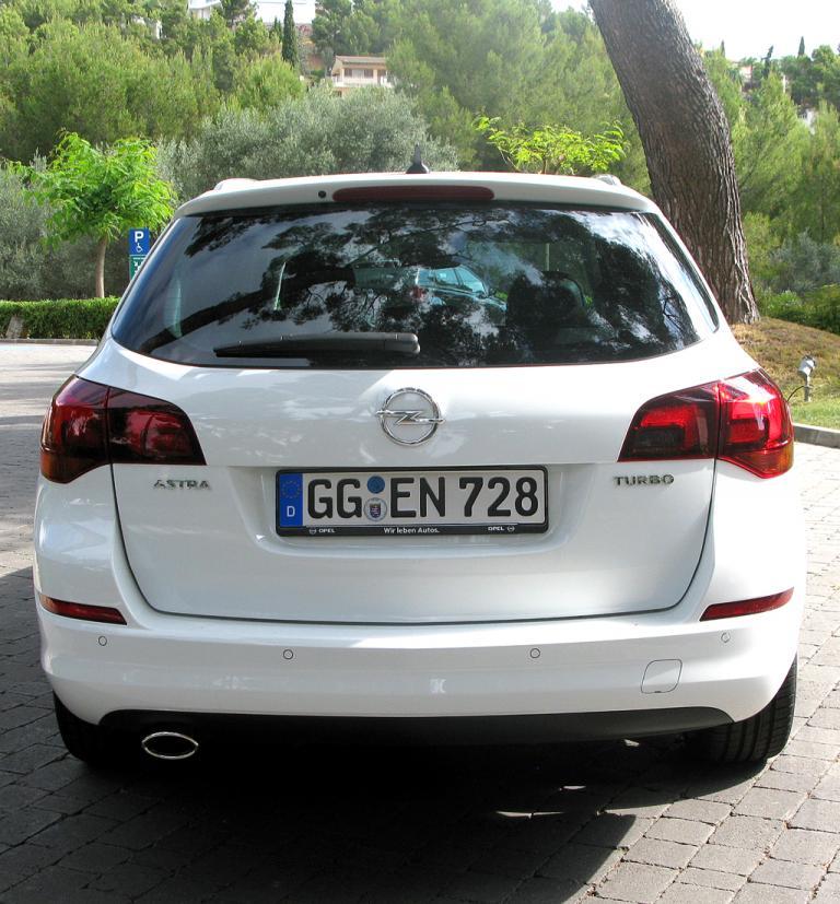 Opel Astra Sports Tourer: ... in der Kompaktbaureihe der Rüsselsheimer.
