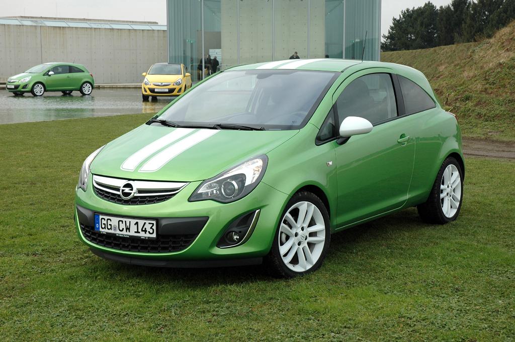 Opel Corsa: Das Color-Line-Angebot ist inzwischen um die Color-Stripes-Variante ...