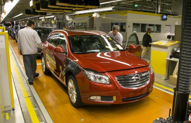Opel kürzt Werksferien und fährt Sonderschichten