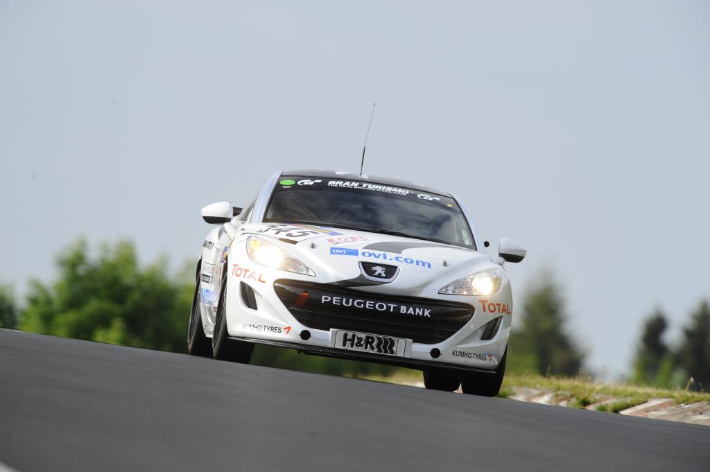 Peugeot RCZ vor Generalprobe für das 24-Stunden-Rennen