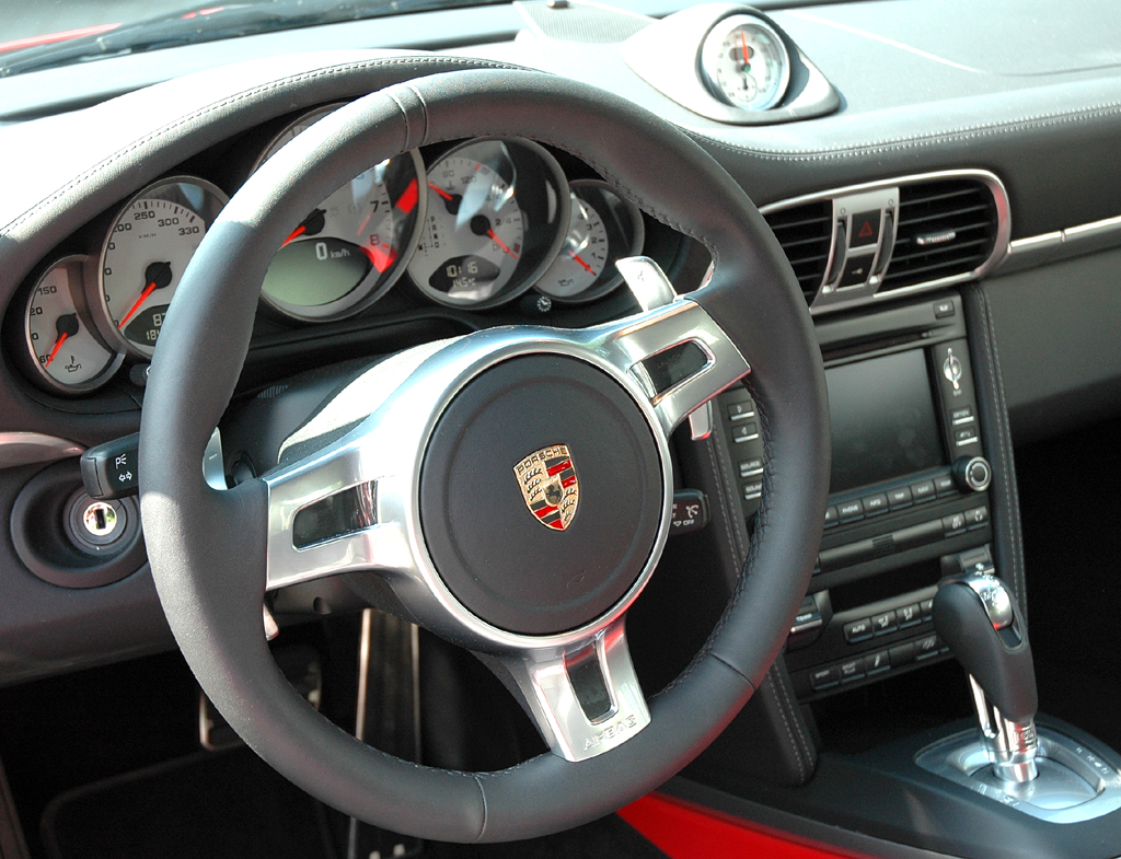 Porsche 911 Carrera 4S Coupé: Blick ins Cockpit.