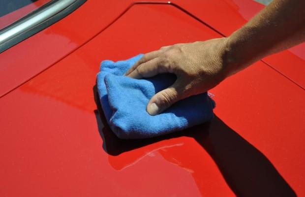 Ratgeber Autopflege - Nur im Schatten polieren