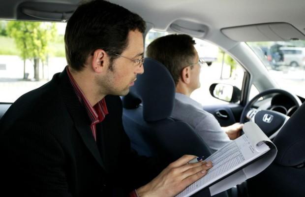 Ratgeber Fahrschule - Soviel kostet der Führerschein