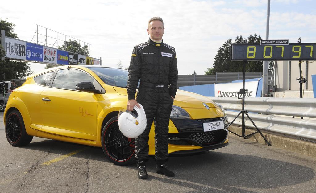 Rundenrekord auf der Nordschleife mit dem Renault Mégange R.S. Trophy, gefahren vom Renault Sport-Entwicklungsfahrer Laurent Hurgon.
