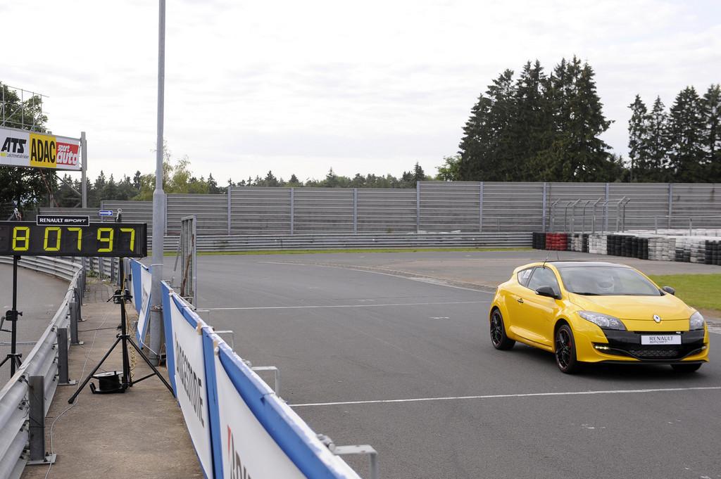 Rundenrekord auf der Nordschleife mit dem Renault Mégange R.S. Trophy.