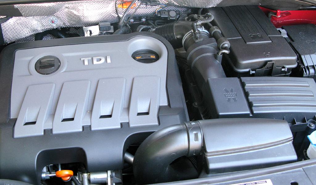 Seat Alhambra: Blick unter die Motorhaube des 2,0-Liter-Turbodiesels mit 140 PS.