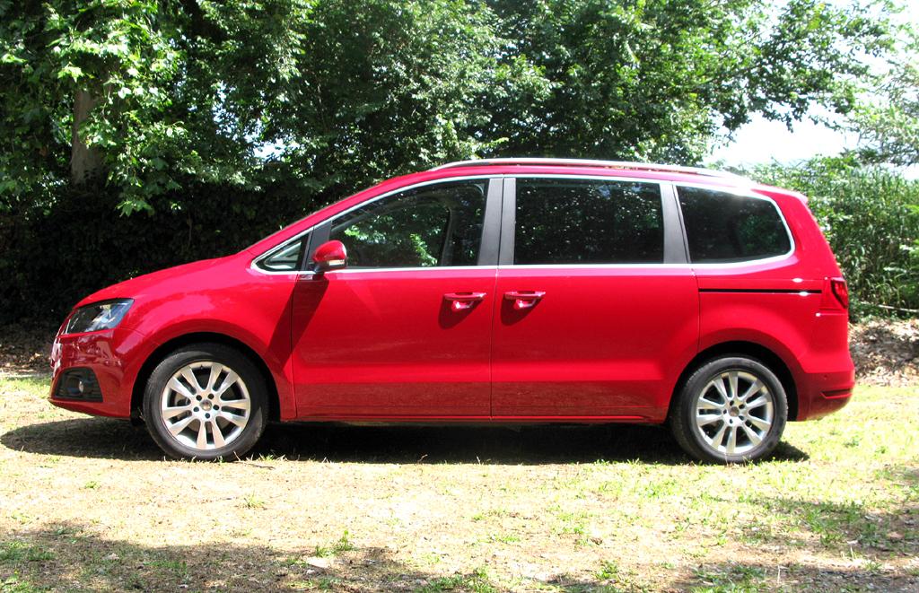 Seat Alhambra: Und so sieht das VW-Sharan-Schwestermodell von der Seite aus.