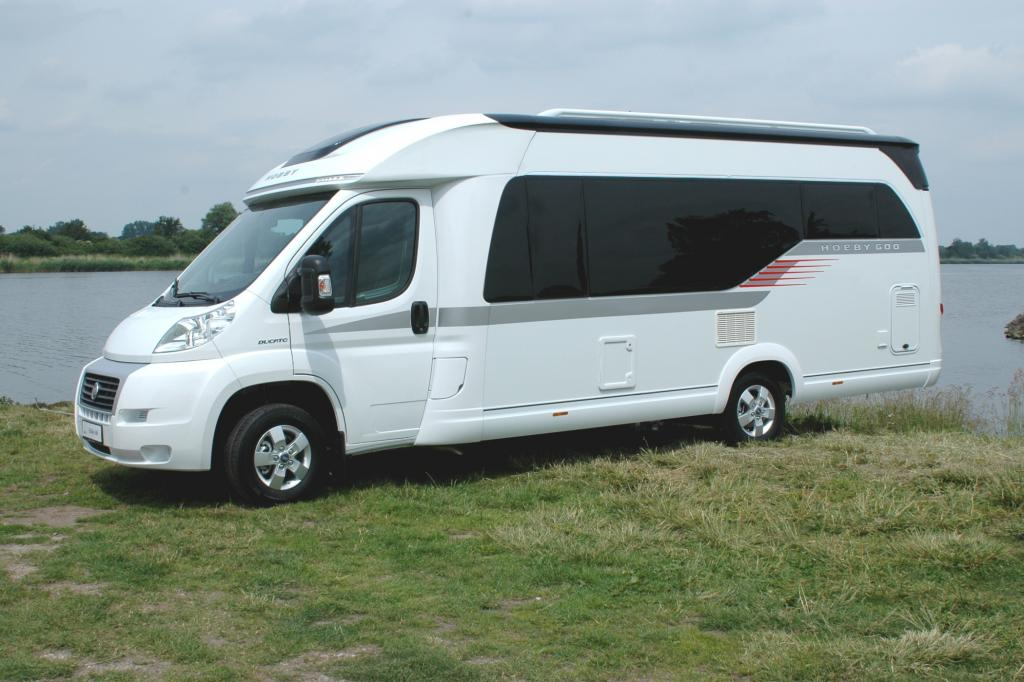 Seine Reisemobil-Flotte erweitert Hobby um drei neue Teilintegrierte (alle ab 45.500 Euro) in der Siesta-Baureihe,