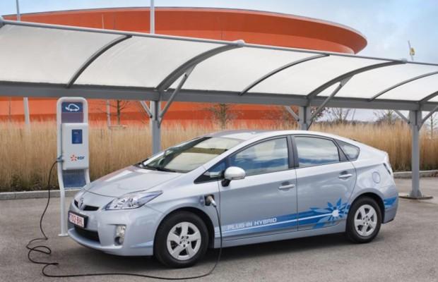 Stromer und Hybridautos besser als die Bahn