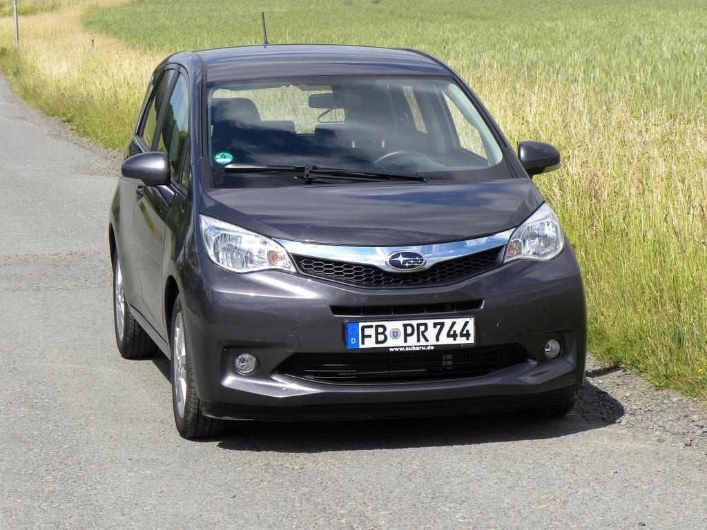 Subaru Trezia.
