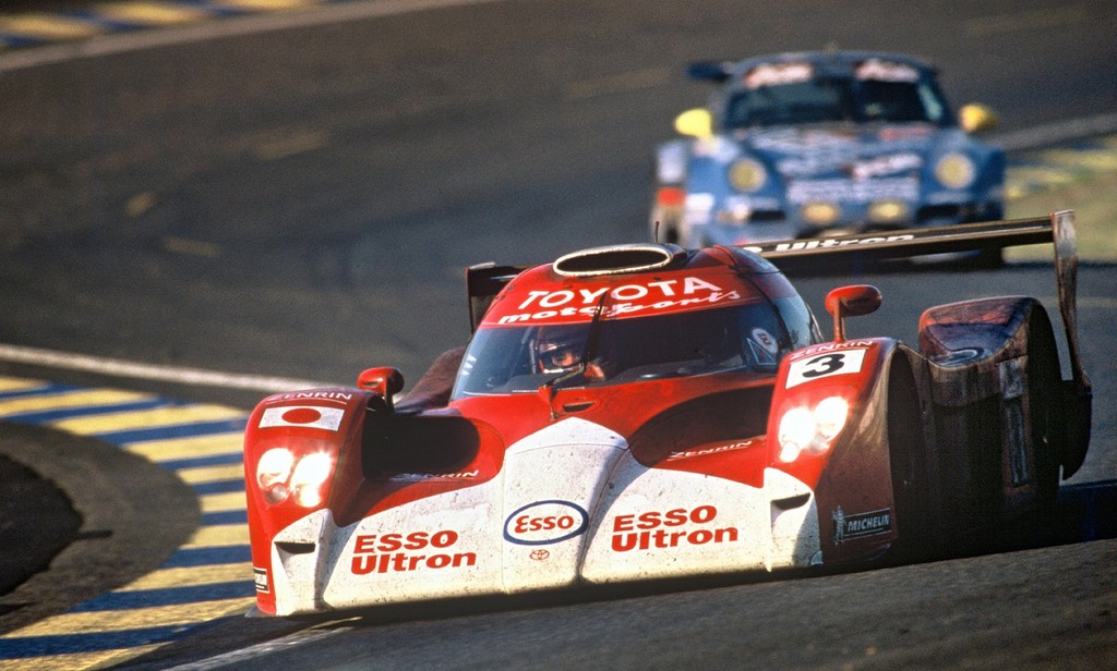 Toyota GT-One (1999).