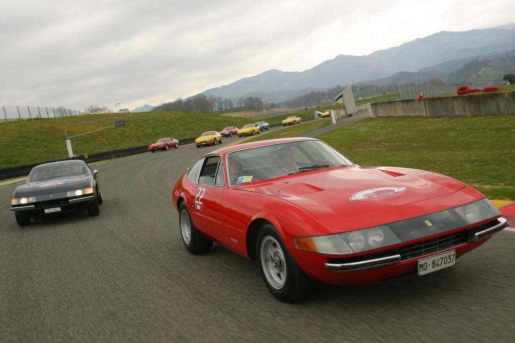 Tradition: 45 Jahre Lamborghini Miura - Kampfstiere kontra Cavallino Rampante