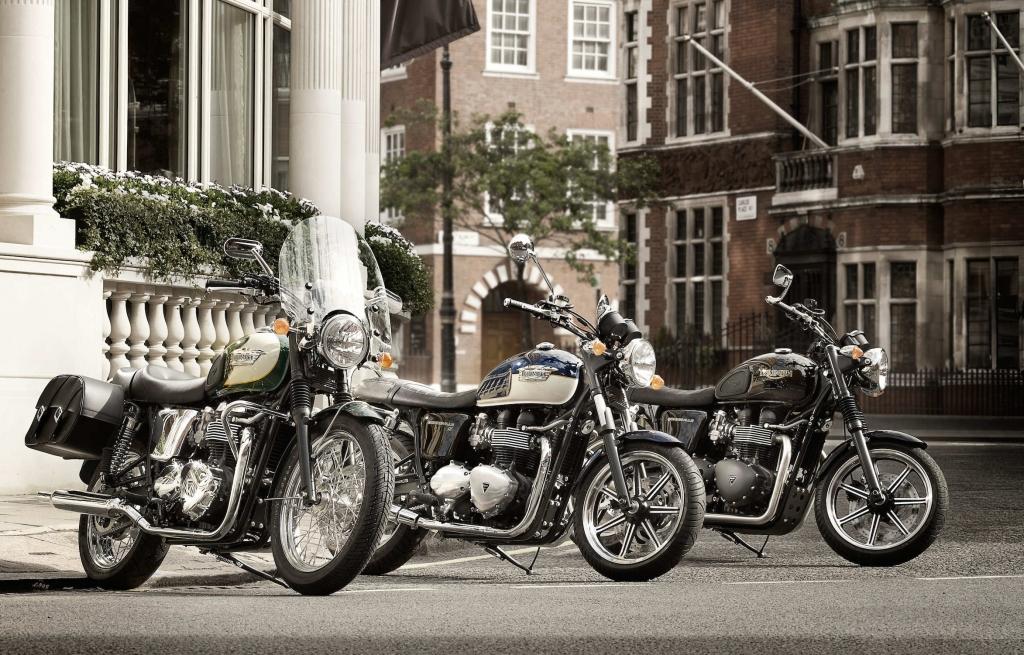 Triumph bittet Bonneville, Scrambler, Truxton und America in die Werkstatt