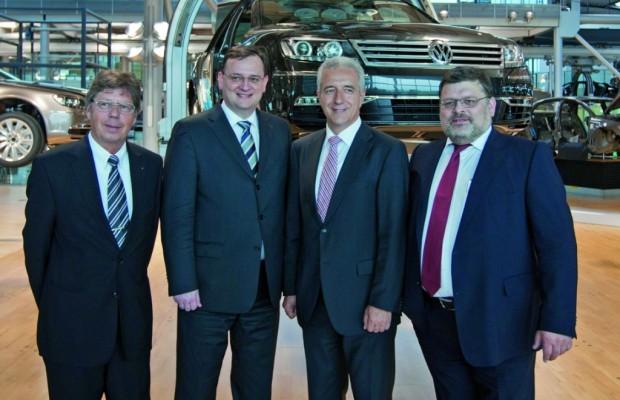 Tschechischer Ministerpräsident zu Gast in der Gläsernen Manufaktur