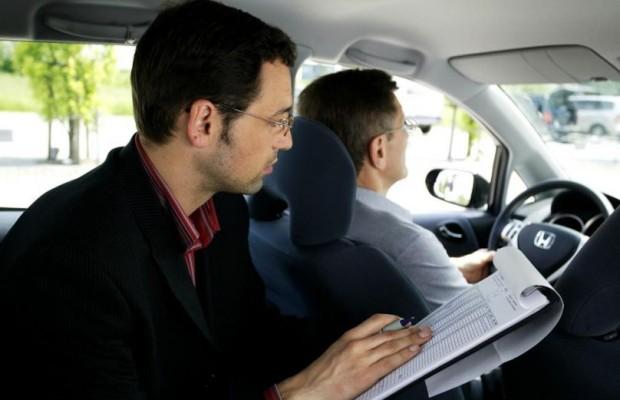 Urteil: Theoretische Fahrprüfung nur in elf Fremdsprachen möglich