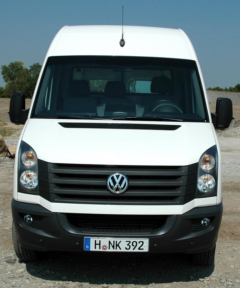 VW Crafter: Die Frontpartie greift nun Caddy-, Amarok- und T5-Elemente auf.
