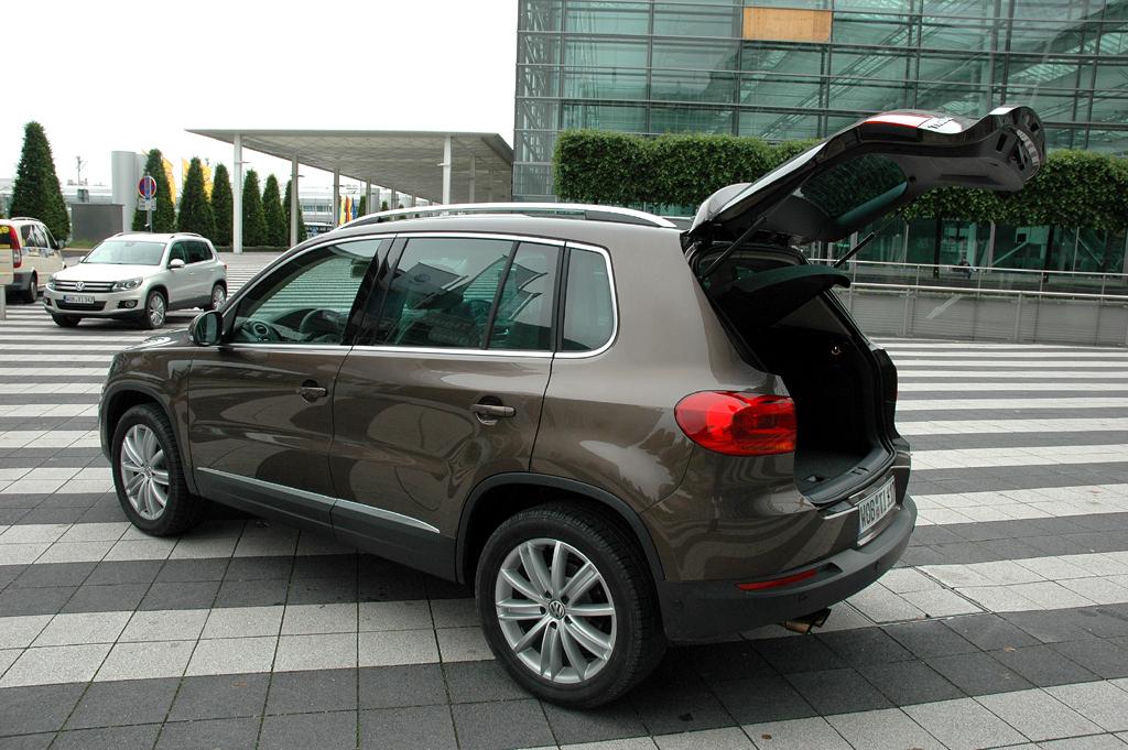 VW Tiguan: Ins Gepäckabteil passen noch 470 bis 1510 Liter hinein.