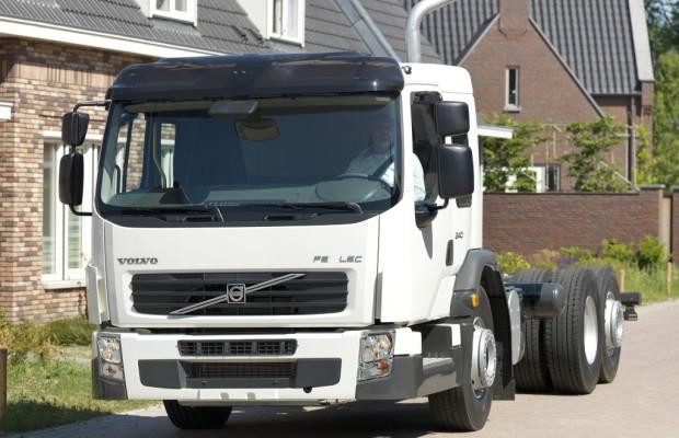 """Volvo Trucks präsentiert Volvo FE LE : """"Niederflur-Fahrerhaus"""" mit Low Entry Einstieg"""