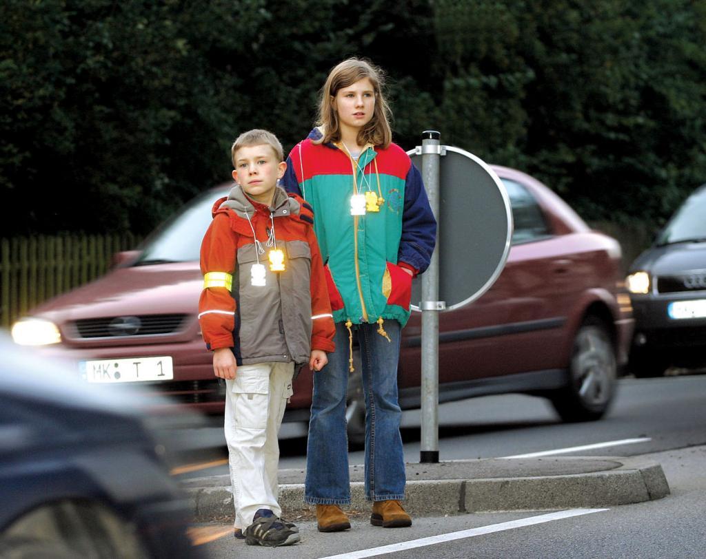 Wurde mit den Kindern rechtzeitig der Schulweg geübt, können sie sicher und selbstständig den Weg bewältigen.