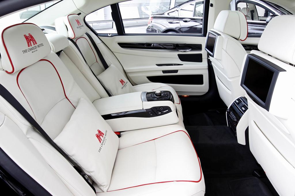 Zwei exklusive BMW Individual 7er stehen künftig den Gästen des Münchener Luxushotels 201EThe Charles201C zur Verfügung.