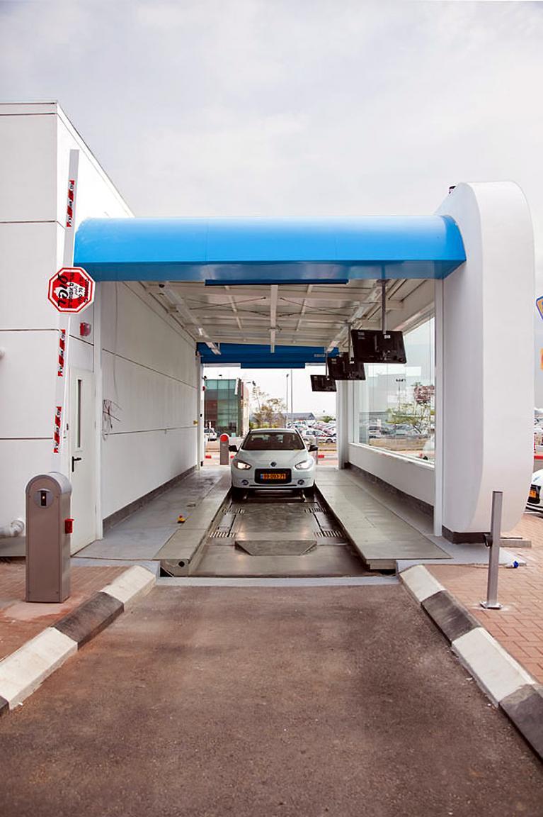 19 weitere dieser Stationen sollen in Dänemark in den nächsten Monaten eröffnet werden. Zeitgleich wird Renaults Elektrolimousine Fluence Z.E. eingeführt.