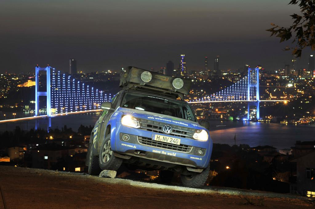 201EMove the World Tour201C führt Menschen und Maschinen an den Rand der Belastbarkeit. In Istanbul, Türkei.