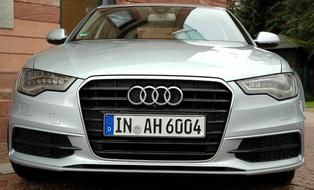Audi A6 Hybrid: Blick auf die Frontpartie des gehobenen Mittelklasse-Modells.
