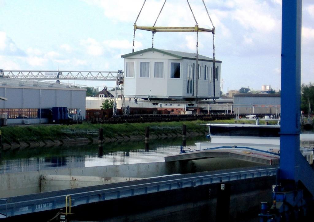 Bürstner liefert erstmals Mobilheime per Schiff