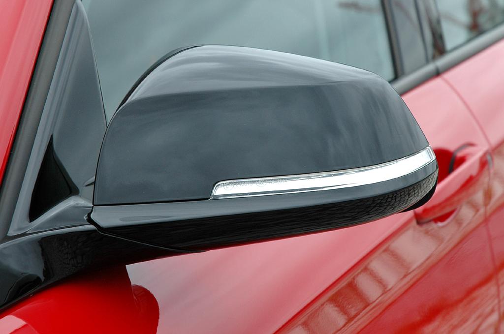 BMW 1er: In die Außenspiegel sind Blinkerleisten integriert.