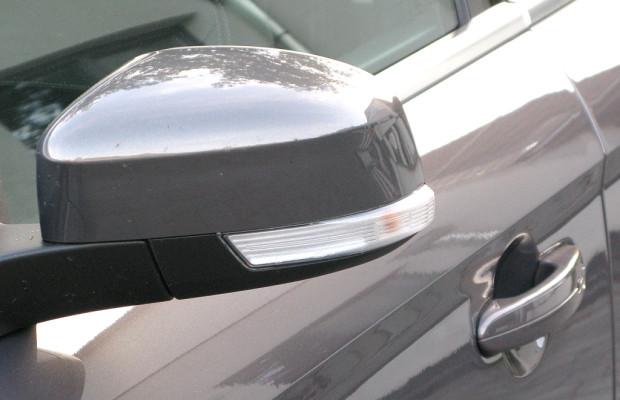 Blinde Autofahrer bei Ford in Köln