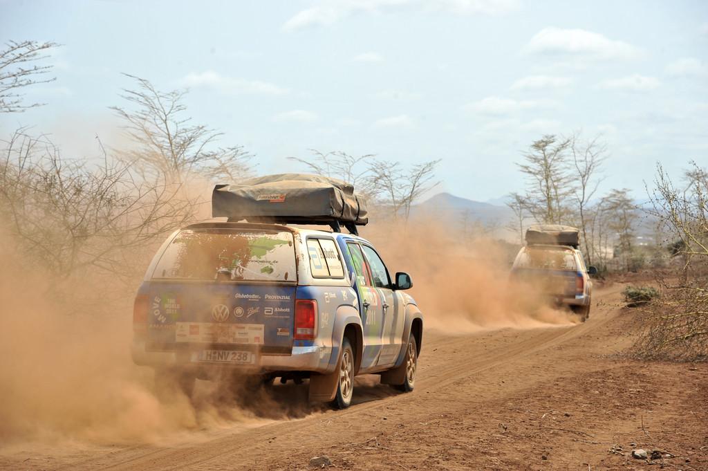 Der Amarok-Konvoi auf dem East African Highway, Kenia.