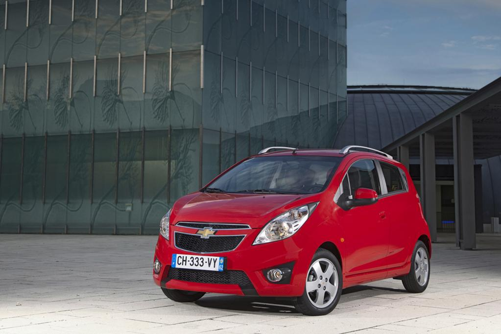 Der Chevrolet Spark glänzt mit einem Einstiegspreis von 9 140 Euro.