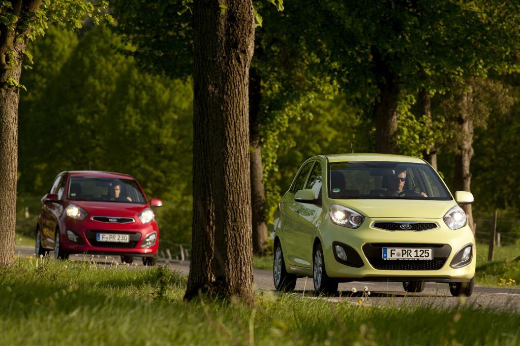 Der Kia Picanto flitzt bereits zu Preisen ab 8 990 Euro in die Garagen aller Zahlungswilligen.