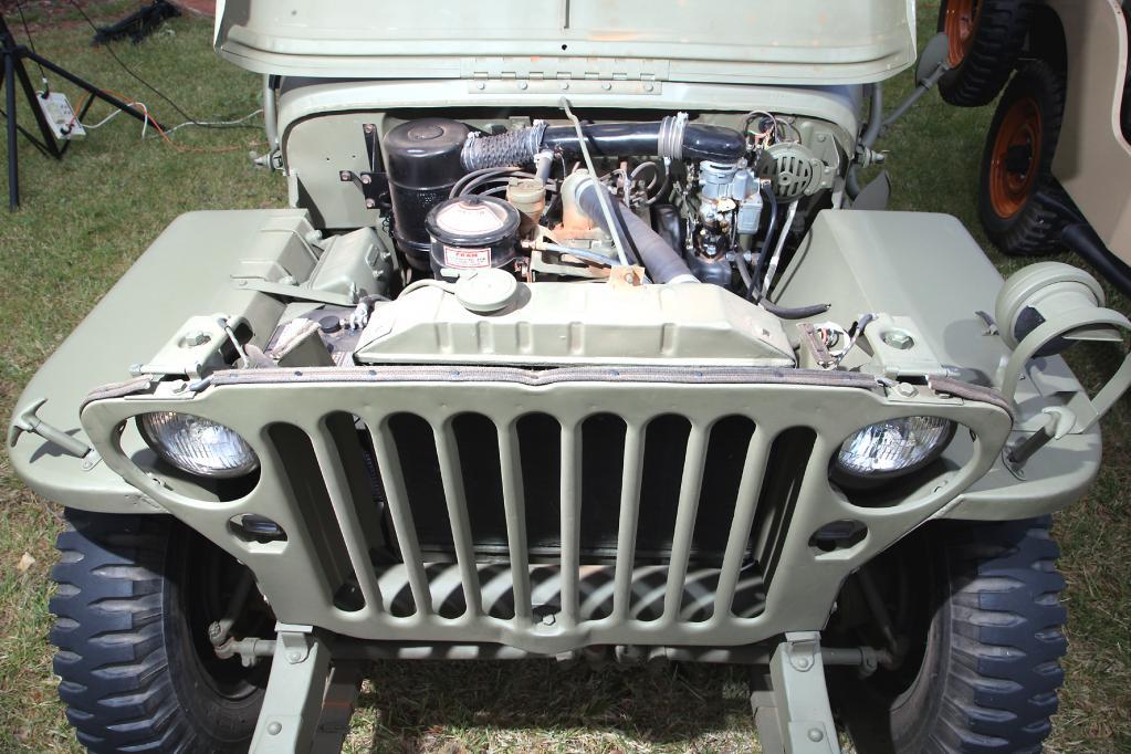 Der Motor ist simpel konstruiert, aber sehr robust. Ein Muss für ein Militärfahrzeug.