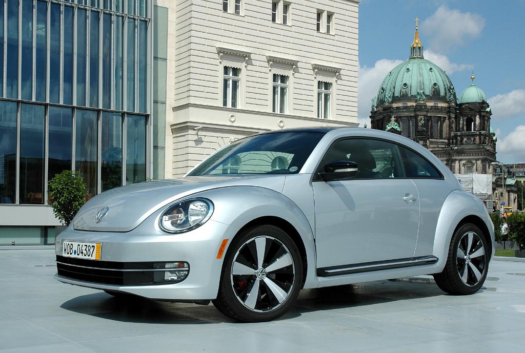 Der neue VW Beetle lehnt sich doch jetzt stärker an den Käfer an. Foto: Koch
