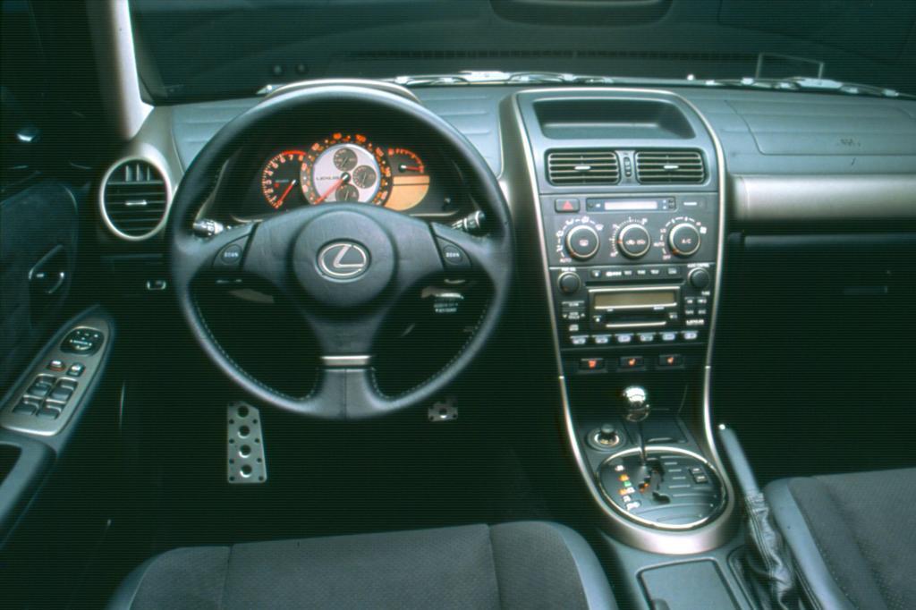 Die Instrumente im Chronographen-Stil waren nicht nur für Lexus bahnbrechend
